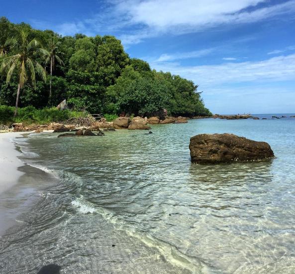Đây được mệnh danh là bãi biển đẹp nhất của đảo Phú Quốc. Ảnh: @theo_bru