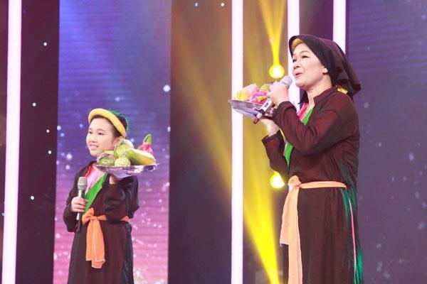 Phần trình diễn của cặp mẹ con hát Quan họ Bắc Ninh siêu dễ thương Thị Dung- Ngọc Diệp.