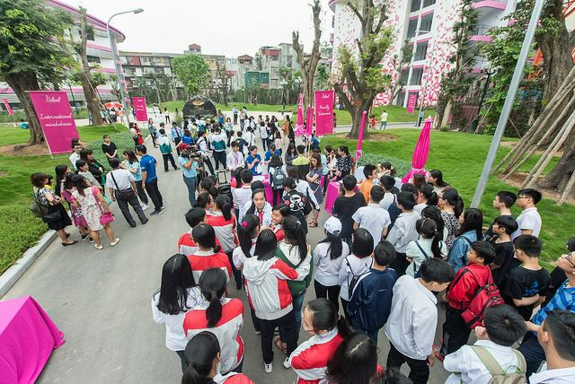Hàng nghìn thí sinh đăng ký tham gia