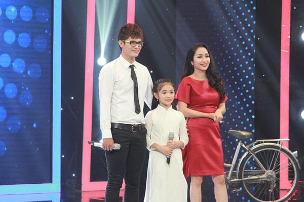 Ca sĩ Thiên Bảo và cháu gái Tuyết Nhi về nhì với giải thưởng 15 triệu đồng.