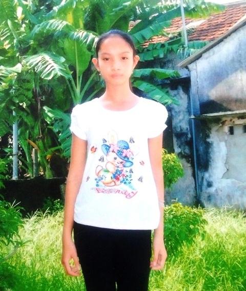 Thiếu nữ Trần Văn Hải đã 17 tuổi nhưng bị ghi nhầm giới tính trong giấy khai sinh 17 năm qua là... nam, dẫn đến em không được đi học cấp 2