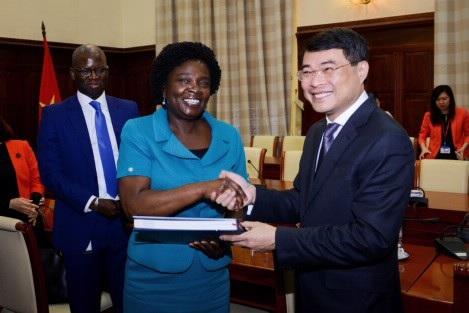 Thống đốc Lê Minh Hưng đánh giá cao bà Phó Chủ tịch và Ngân hàng Thế giới đã có những hỗ trợ kỹ thuật kịp thời cho hệ thống ngân hàng, đặc biệt trong lĩnh vực xử lý nợ xấu.