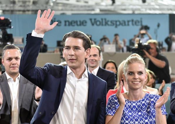 Theo trang tin Heute của Đức, bạn gái của ông Kurz là Susanne Thier, kém ông Sebastian Kurz một tuổi. Susanne đang làm nhân viên tại Bộ tài chính của Áo. Cô Thier xinh đẹp và dịu dàng. (Ảnh: Haute)