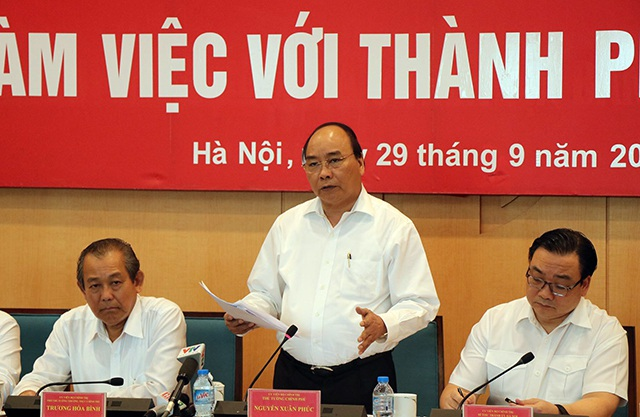 Thủ tướng Nguyễn Xuân Phúc phát biểu chỉ đạo tại buổi làm việc với TP Hà Nội