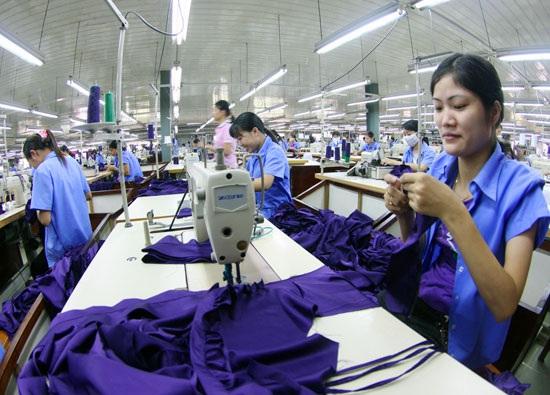 Oxfam tính toán, mỗi năm, các nước đang phát triển (bao gồm cả Việt Nam) bị thất thu 100 tỷ USD do hoạt động tránh thuế của các tập đoàn đa quốc gia.