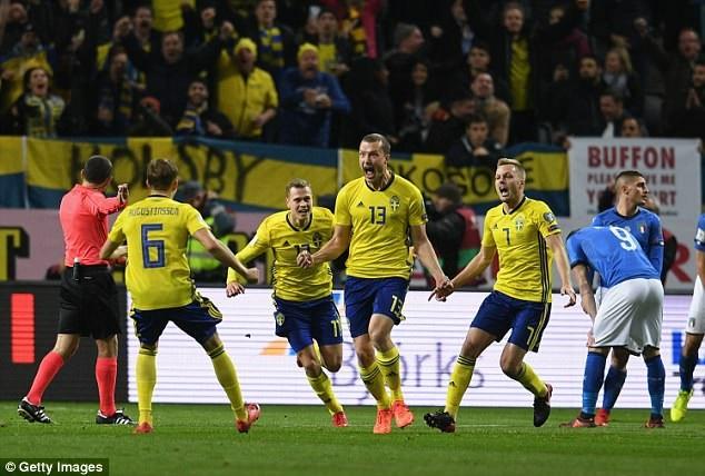 Thụy Điển giành chiến thắng trước Italia trên sân nhà ở trận lượt đi vòng play-off World Cup 2018
