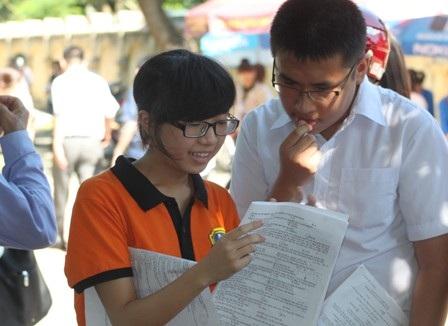 Bài thi tiếng Anh được thiết kế dựa trên chủ trương bám sát kiến thức trong bộ sách giáo khoa lớp 12 và có độ khó phù hợp với học sinh.