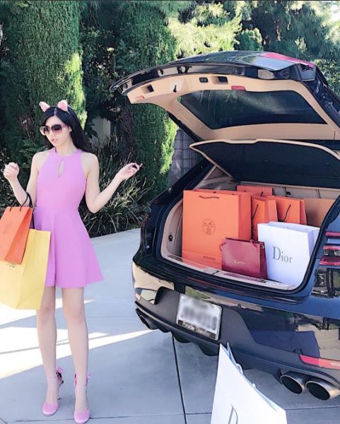 Mỗi một chuyến mua sắm là một lần càn quét.