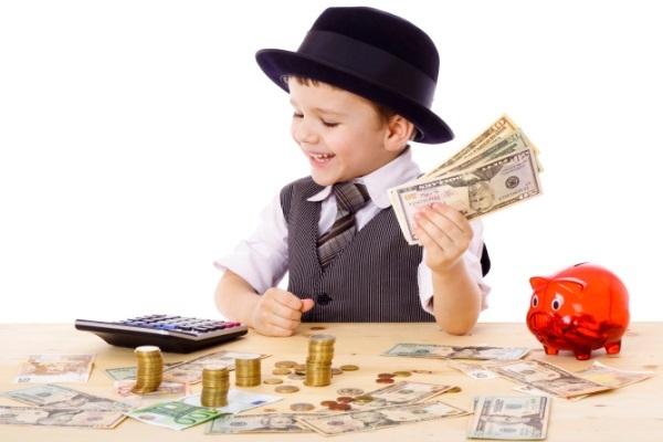 Nhà trường và gia đình dạy con nỗ lực học hành để đảm bảo tương lai thành công về sự nghiệp – tức dạy con kiếm tiền – nhưng đa phần ít chú trọng đến dạy các em cách làm chủ đồng tiền, ứng xử thông minh và văn minh với tiền, cách tiết kiệm, tiêu tiền thông thái...