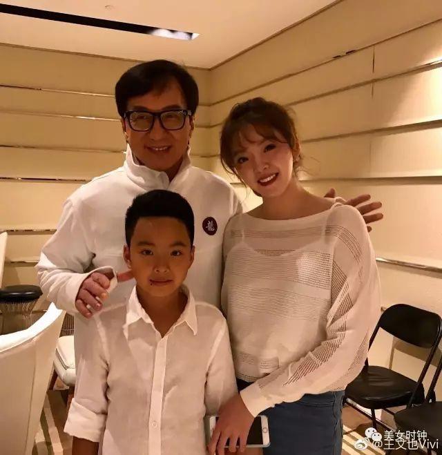"""3 tiểu thư xinh đẹp Trung Quốc được mệnh danh """"thiên tài đệ nhất đầu thai"""" - 2"""