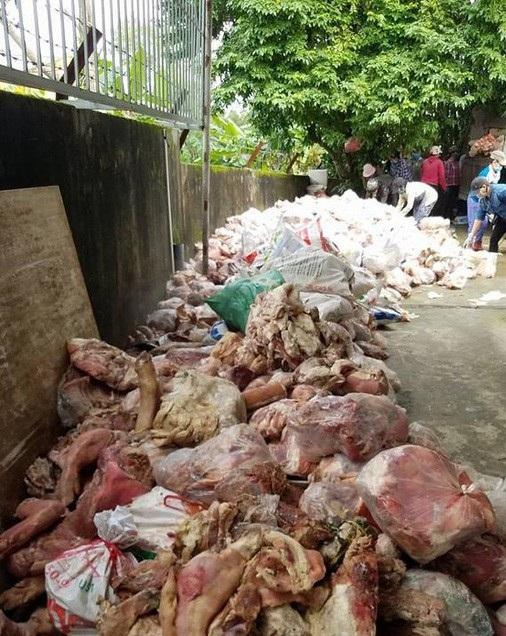Gần 15 tấn nội tạng động vật hôi thối được phát hiện tại nhà kho do ông Đặng Thanh Phương (trú quận Cẩm Lệ, Đà Nẵng) làm chủ