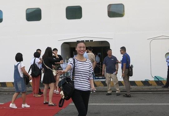 Khách quốc tế đến Đà nẵng trong năm 2017 ước đạt 2,3 triệu lượt, tăng gần 37% so với năm 2016