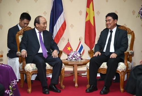 Thủ tướng Nguyễn Xuân Phúc làm việc với Tỉnh trưởng Xổm-chai