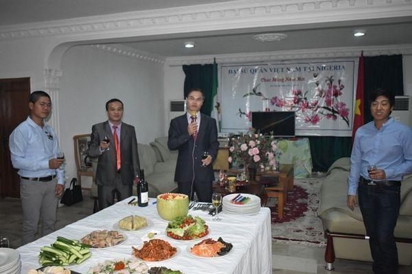 Đón Tết cổ truyền Việt Nam tại Nigeria - 1