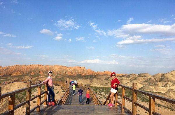 """""""Phượt"""" Cam Túc: Thám hiểm canyons, cưỡi lạc đà, camping trên sa mạc… - 15"""