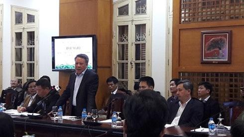 Ông Tô Văn Động phát biểu tại hội nghị sơ kết công tác quản lý, tổ chức lễ hội Xuân Đinh Dậu. Ảnh: ĐB.