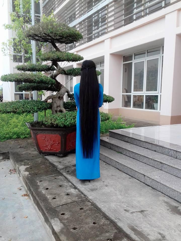 """""""Đứng hình"""" trước vẻ xinh đẹp của cô gái có mái tóc dài 120cm - 5"""