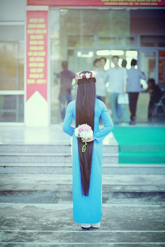 """""""Đứng hình"""" trước vẻ xinh đẹp của cô gái có mái tóc dài 120cm - 9"""