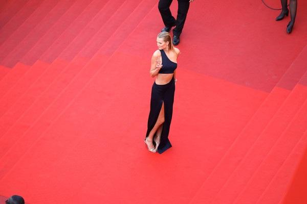 Chân dài đình đám này là khách VIP của các kỳ LHP Cannes vài năm trở lại đây