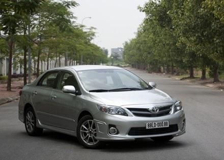 Toyota Việt Nam triệu hồi Corolla Altis lắp ráp trong nước vì lỗi túi khí - 1