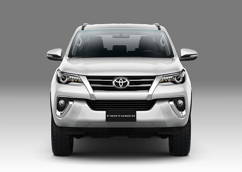 Toyota Fortuner thay đổi lớn, Honda nâng cấp Wave α - 2