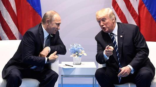 Tổng thống Nga Vladimir Putin (trái) và Tổng thống Mỹ Donald Trump (Ảnh: Getty)