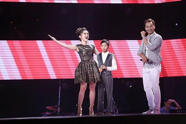 Hương Tràm cố gắng hát Bolero để lấy lòng Đình Tâm...
