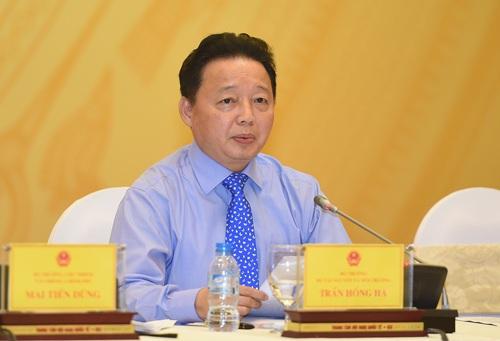 Bộ trưởng Trần Hồng Hà tại cuộc họp báo.