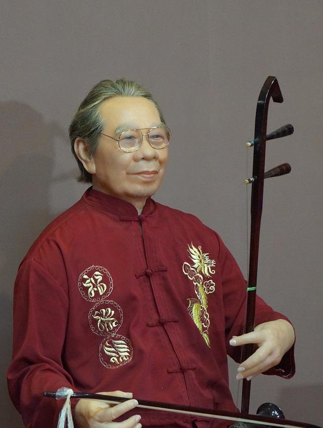 Cố GS-TS Trần Văn Khê được tạc tượng sáp