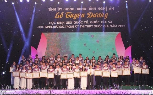 Từ tháng 12/2017, Nghệ An không cộng điểm cho sinh viên khá giỏi khi thi tuyển công chức vào các cơ quan hành chính nhà nước của tỉnh