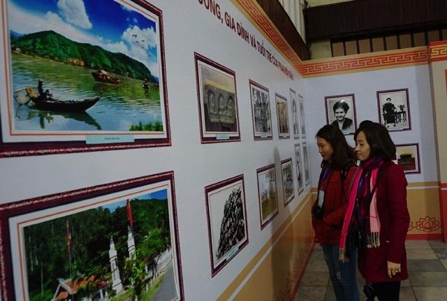 Triển lãm về cuộc đời và sự nghiệp chí sĩ yêu nước Phan Bội Châu được tổ chức trong khuôn khổ các hoạt động kỷ niệm 150 năm ngày sinh của ông