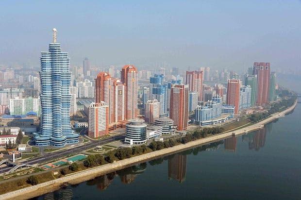 Triều Tiên xây các nhà cao tầng dành riêng cho các nhà khoa học, kỹ sư và gia đình của họ (Ảnh: NK News)