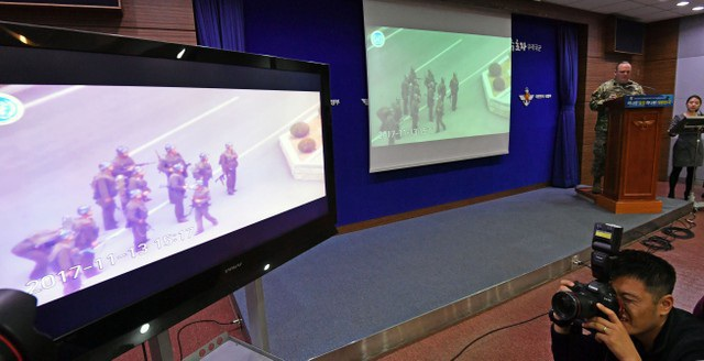 Bộ Chỉ huy Liên Hợp Quốc (UNC) ngày 22/11 công bố các video quay lại toàn bộ diễn biến vụ đào tẩu của binh sĩ Triều Tiên (Ảnh: Reuters)