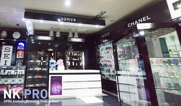 Sản phẩm của các thương hiệu lớn như Gucci, Chanel,... được bày bán tại Triều Tiên (Ảnh: NK Pro)