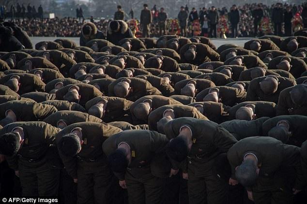 Ngày mất của cố lãnh đạo Kim Jong-il được xem là sự kiện trọng đại tại Triều Tiên. Những năm trước đây, Bình Nhưỡng thường đánh dấu sự kiện này bằng các vụ thử tên lửa hoặc các cuộc tập trận quân sự. (Ảnh: AFP)