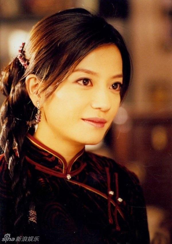 Diêu Mộc Lan trong Kinh Hoa Yên Vân dường như là vai diễn cuối cùng của Triệu Vy trên màn ảnh nhỏ Hoa ngữ. Cô vào vai một cô gái đằm thắm, sâu sắc và được khen ngợi thực sự.