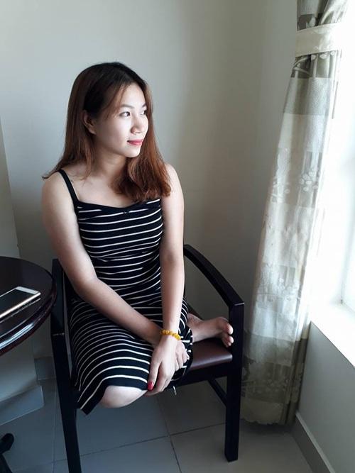 Cụt một chân không ngăn cô gái trẻ xinh đẹp và yêu đời