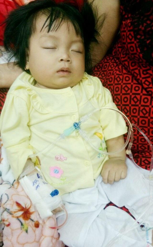 Thương bé 9 tháng tuổi bụ bẫm mắc bệnh ung thư máu - 3