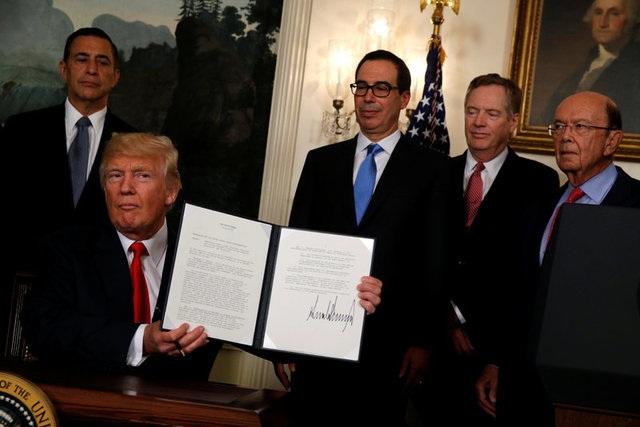 Tổng thống Mỹ Donald Trump tại lễ ký biên bản ghi nhớ ngày 14/8 (Ảnh: Reuters)