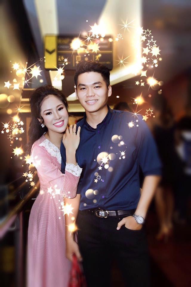 Lê Phương lần đầu chính thức xác nhận sẽ kết hôn cùng bạn trai kém tuổi Trung Kiên vào ngày 8/8/2017