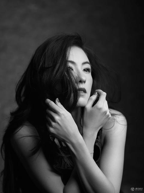 Ngôi sao 36 tuổi được khen ngày càng mặn mà và hấp dẫn. Cô hiện là diễn viên, MC và tham gia khá nhiều show truyền hình.