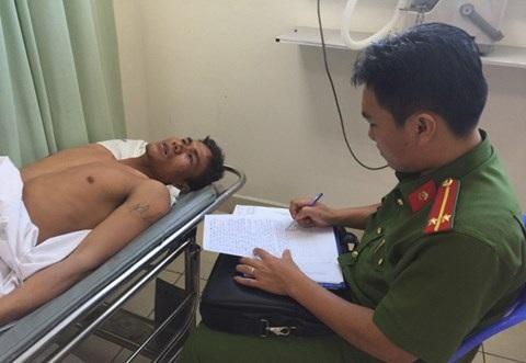Công an lấy lời khai đối tượng Vũ Quang Công tại bệnh viện