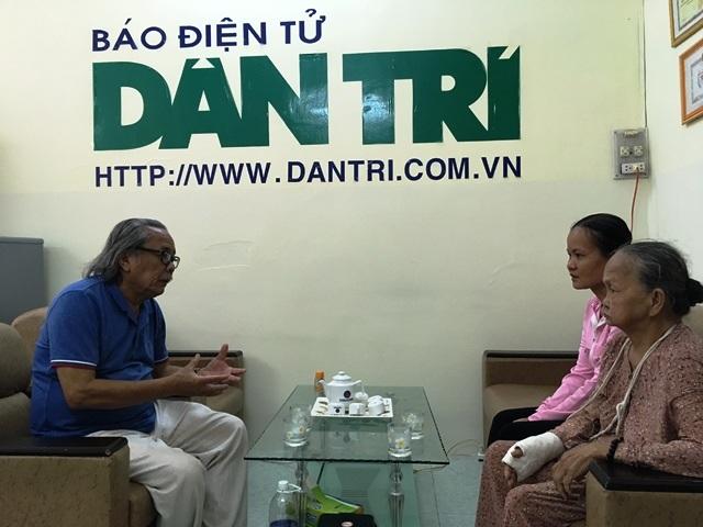 Nhà báo Phan Huy thăm hỏi, động viên gia đình vượt qua khó khăn