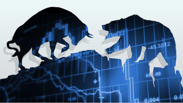 Trong sự giằng co của lực mua bắt đáy và áp lực bán, thị trường chứng khoán vẫn giảm điểm sâu.