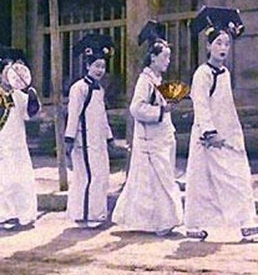 Các cung nữ thời nhà Thanh