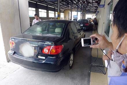 Số lượng ô tô bị từ chối đăng kiểm tăng đột biến trong thời gian qua (ảnh: Việt Hưng)