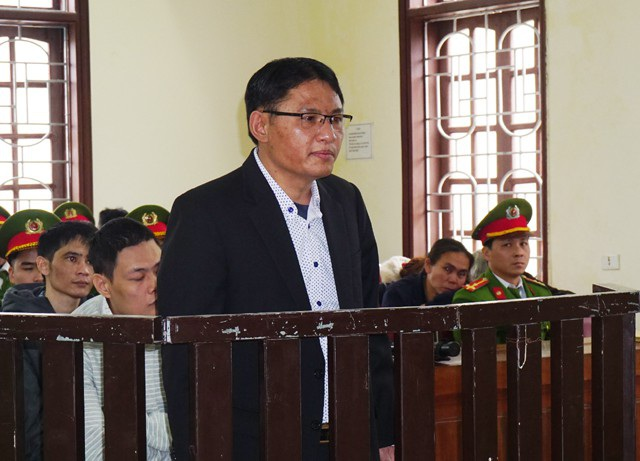 Phan Đình Tuấn cho rằng bản án tử hình đối với mình là xứng đáng nhưng cần xem xét vai trò cầm đầu của Nguyễn Thị Hương trong đường dây này