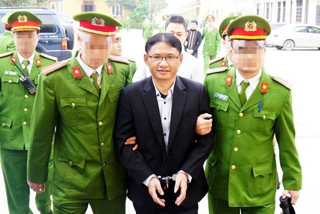 Nội dung kháng cáo của Phan Đình Tuấn yêu cầu xem xét vai trò Nguyễn Thị Hương trong đường dây này không được chấp nhận tại phiên tòa tuy nhiên những nội dung mà Tuấn, Cơ và Thắng cung cấp sẽ được tòa chuyển đến cơ quan điều tra để làm rõ