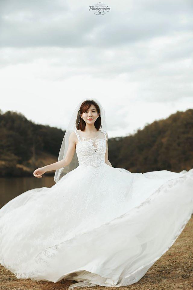 Khoe ảnh cưới ngọt ngào ở 3 nước, Tú Linh mơ về một gia đình nhỏ - 9