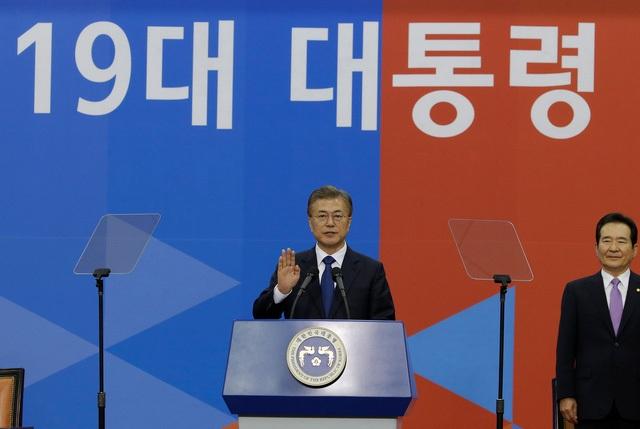 Ông Moon Jae-in tuyên thệ nhậm chức sáng 10/5. (Ảnh: Reuters)